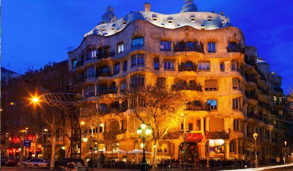 casa mila en paseo gracia barcelona